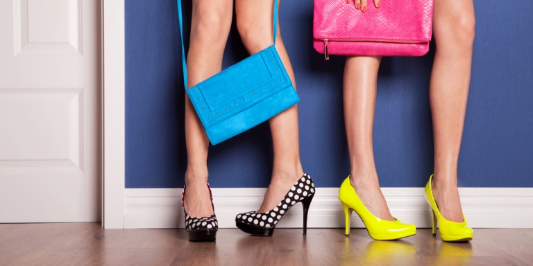 10 Clutch Items Every Woman Should Keep In HerPurse