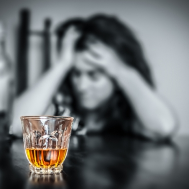 11 Warning Signs You May Have A Problem With Alcohol