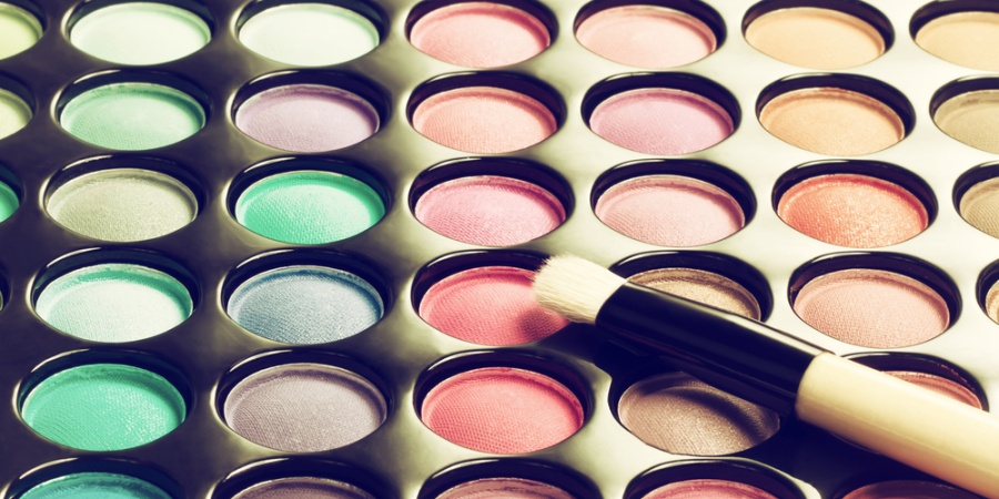 4 Reasons You Should Stop Wearing Makeup RightNow
