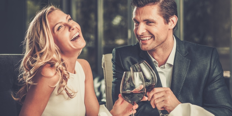 A Dinner Date Guide To Knowing If She LikesYou