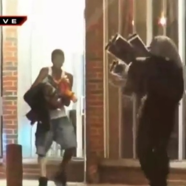 Ferguson, MO Residents Rioted And Looted Last Night To Protest Mike Brown's Death