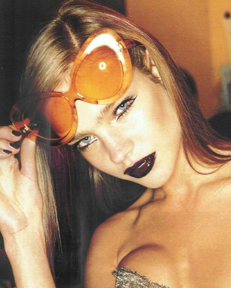 Natalia Vodianova at the Versace Fall 2002 show.