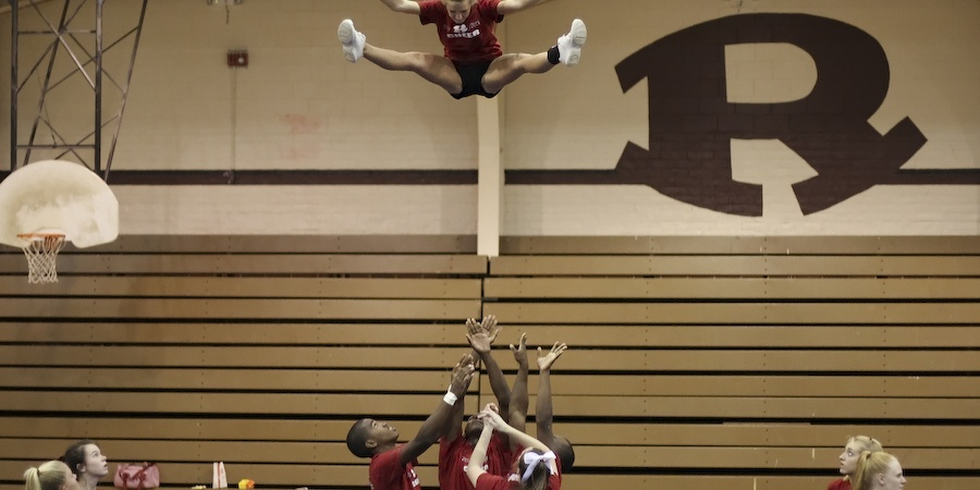 25 Signs You Used To Be ACheerleader