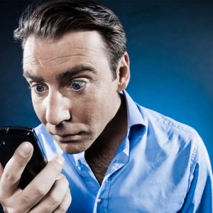 3 Practical Ways To Stop Staring At Your Goddamn Cell Phone