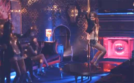 Why Pole Dancing Lessons Are Something Everyone Can (And Should)Do