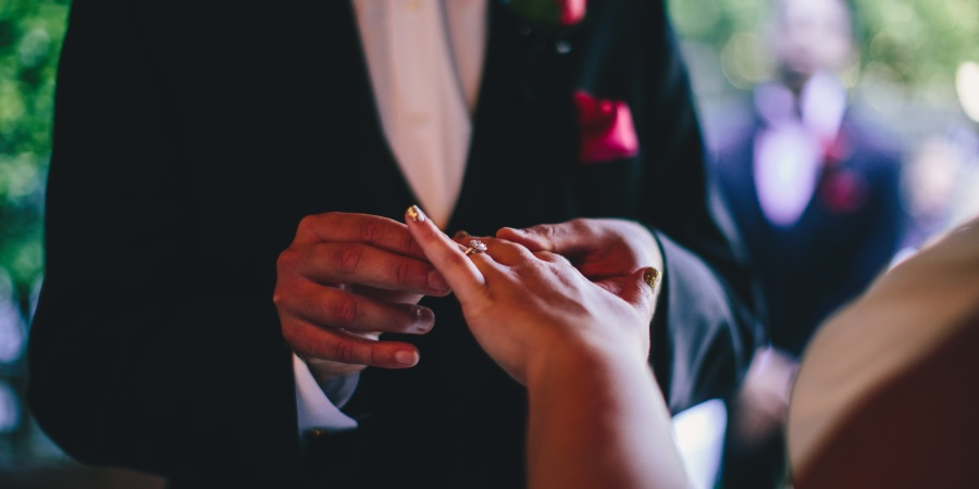 7 Surprising Things That Didn't Change When I Got Married (That People Told MeWould)