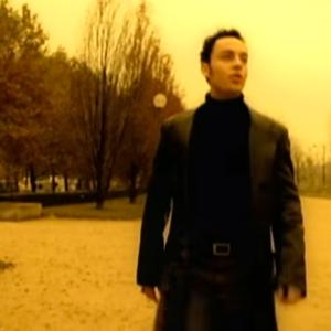 21 Terrible 90s Songs That Everyone Secretly Loves