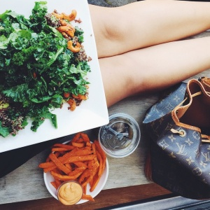 9 Reasons Why You Should Date A Girl Who Eats Kale