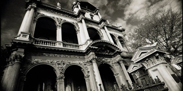 10 Haunted Places In Michigan That Will Make Your Skin Crawl