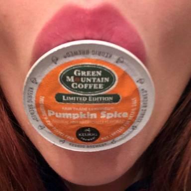 50 Tweets About White Girls & Pumpkin Spice Lattes