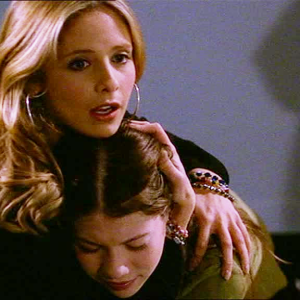 13 Pivotal Life Lessons Your Big Sister Teaches You (Without Even Trying)