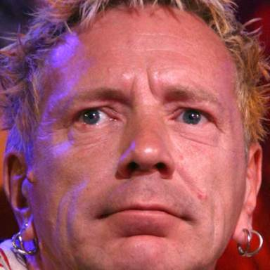 7 Ways The Sex Pistols' Johnny Rotten Has Become Your Grandfather
