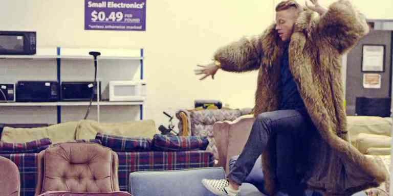Do's And Don'ts Of Thrifting (By A Thrift StoreShopaholic)