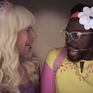 """Jimmy Fallon Brings """"Ew!"""" To A Whole New Level (Feat. Will.i.am)"""