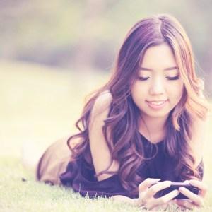 12 Surefire Signs Your Phone Is Your Boyfriend