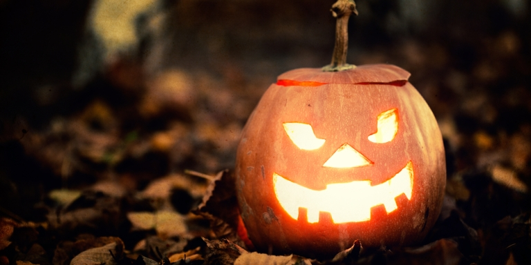 10 Things That Are Absolute Musts To Get Ready ForHalloween
