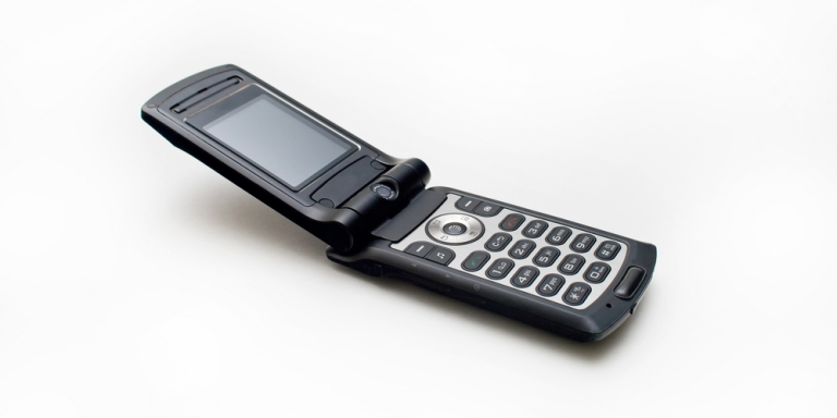 Why I've Decided To Switch To A Basic FlipPhone