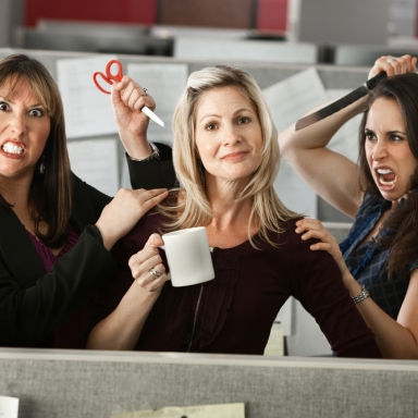 5 Ways To Identify A Potential Backstabber