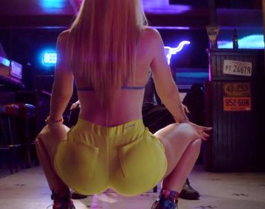 Watch Iggy Azalea Shake Her Ass So Hard That She Rips Her Pants