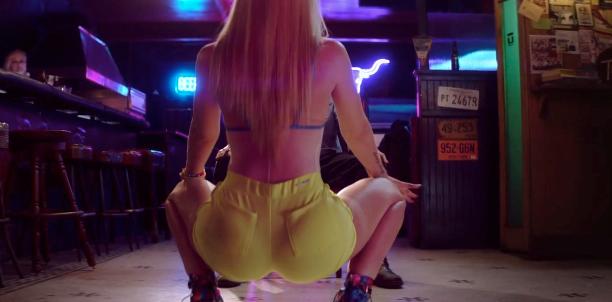 Watch Iggy Azalea Shake Her Ass So Hard That She Rips HerPants