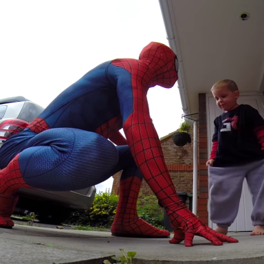 This Superhero Dad Dressed Up As Spiderman For His 5-Year-Old Son, Who Has Only One Year To Live