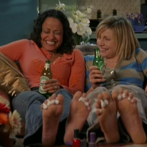 17 Lifechanging Things That Happen When You Live With Your Best Friend