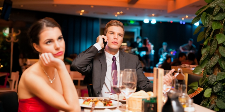 5 Reasons Why First Dates Are TheWorst