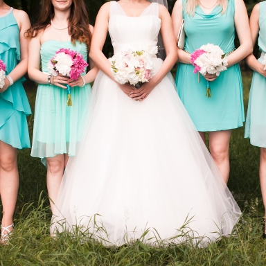 8 Bridesmaid's Hacks To Help You Survive Any Wedding