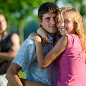 5 Signs You're Right About Your Boyfriend's 'Friend'