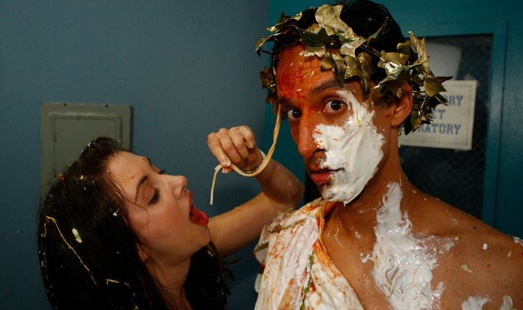 27 Unbelievably Disgusting Foods College Kids Created (And Ate) When They Were Desperate