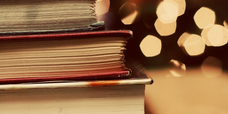 7 Ways The World Changes When You Finally Find A Good Book ToRead