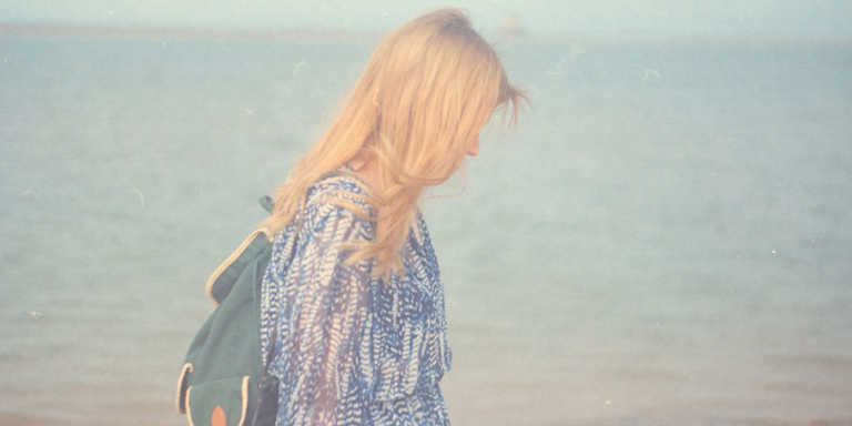 16 Struggles Of Being Both An Independent Woman And A HopelessRomantic