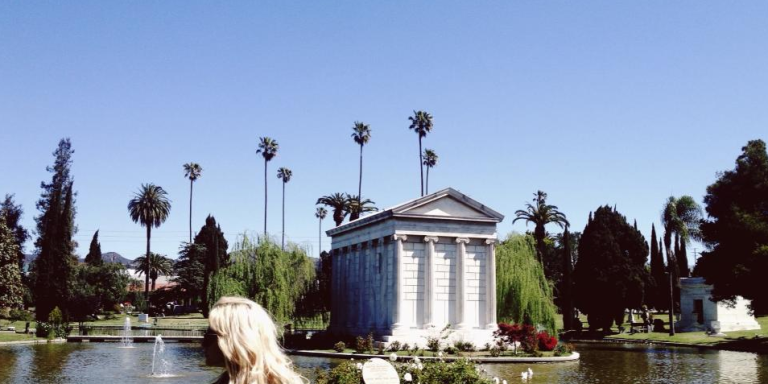 10 Creepy And Beautiful Cemeteries To Visit Once In YourLife