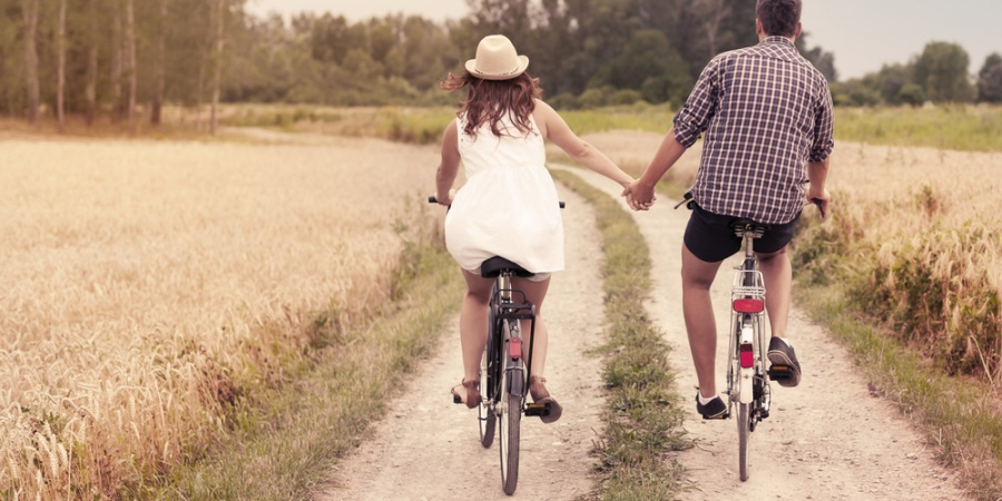 10 Things Dating Should Feel Like (And 10 Things It Shouldn't)