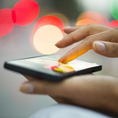 Tinder Addiction: The 4 Types Of 'Swipe' Addicts