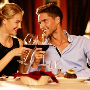 6 Crucial Differences Between Hanging Out And Dating