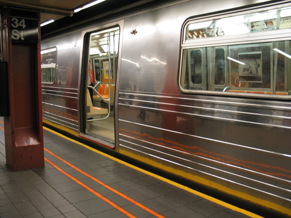 17 Do's And Don'ts Of Riding The NYC Subway
