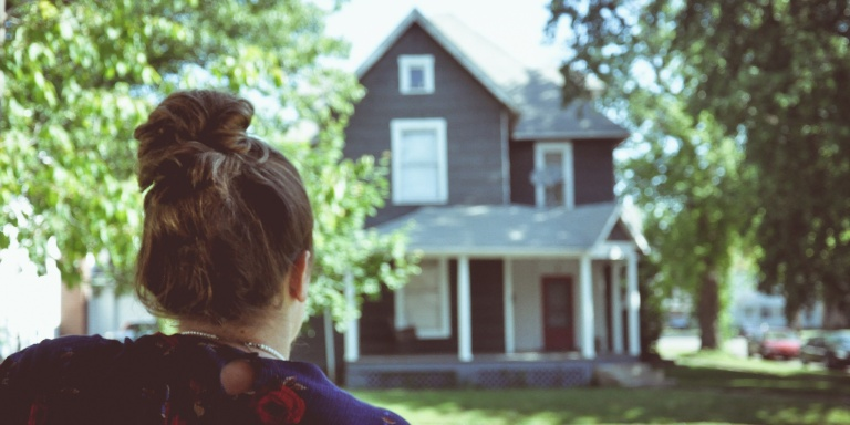 10 Harsh Truths Only The Daughter Of An Alcoholic CouldUnderstand