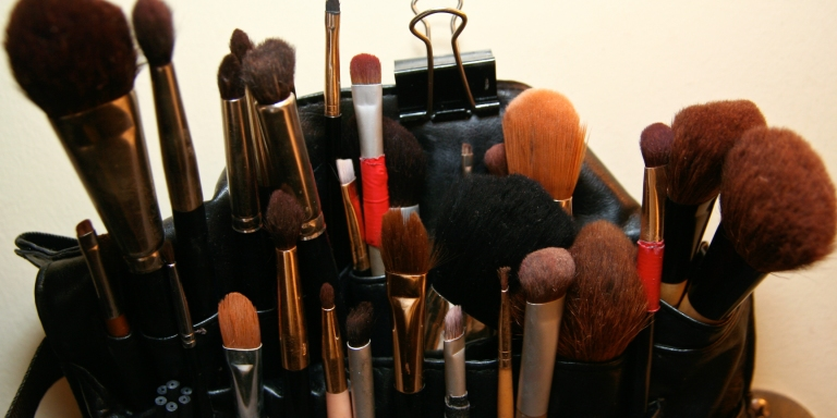 Why I Can't Stop Wearing Makeup (Even Though I HateIt)