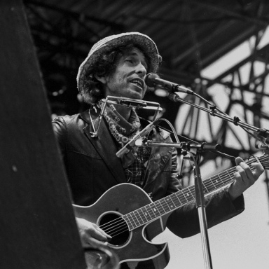 What Bob Dylan Said To John Lennon That Changed His Career