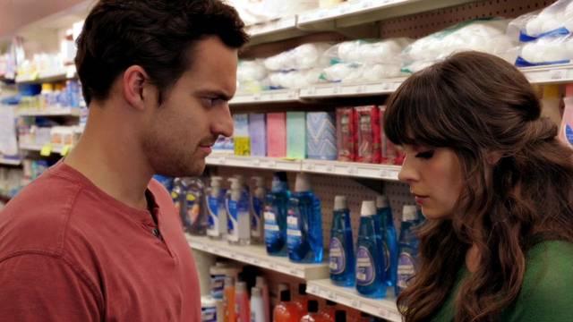 9 Arguments Every Boyfriend Should Just Let Their GirlfriendWin