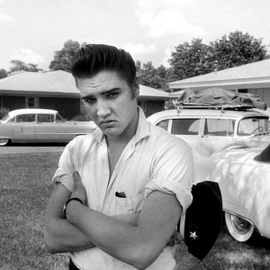 If He Were Still Alive, Elvis Presley Would Have Been 8,000 Pounds