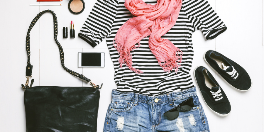 How To Sell Your Clothes (And Make Money) If You're A Borderline Shopaholic LikeMe