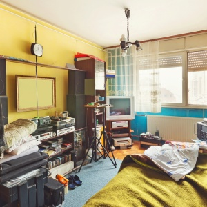 4 Ways To Keep Your Room Clean (And Avoid The Endless Cycle Of Messiness)