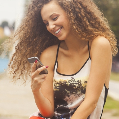 9 Text Messages That Need To Stop Right Now