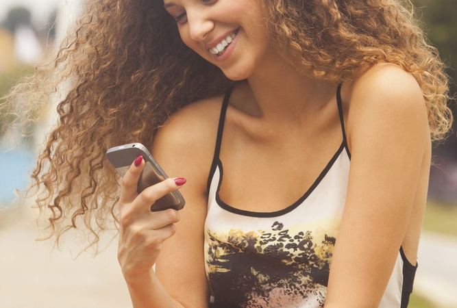 9 Text Messages That Need To Stop RightNow