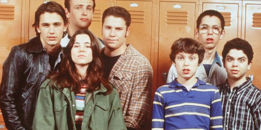 5 Fictional Television Friend Groups I Wish I Was Part Of Besides Friends