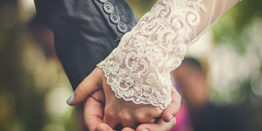 10 Helpful Tips From Married Women On How To Plan The PerfectWedding