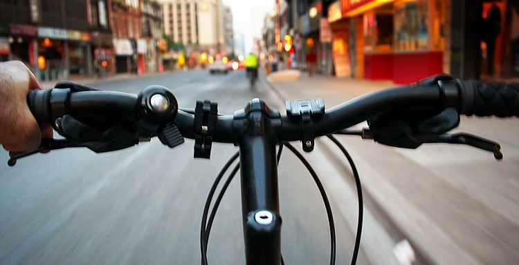Here's Some Important Safety Hacks From Cyclists To Help You Have A Better BikingCommute