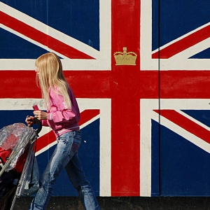 15 Frequently Asked Questions of Americans Living in England